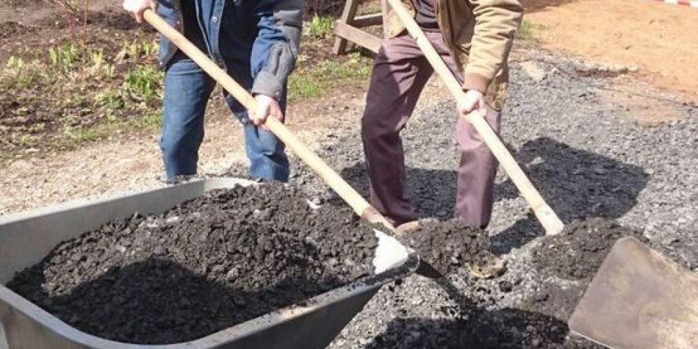 В храме прп. Серафима Саровского в Кунцеве прихожане начали подготовку к Пасхе