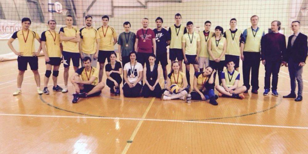 Команда «Архистратиг» на окружном этапе по волейболу