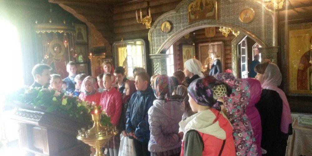 Экскурсия для школьников школы №806 в храм прав. Иоанна Русского