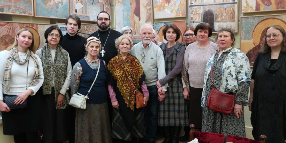 Экскурсия на выставку «Вечный полдень Дионисия»