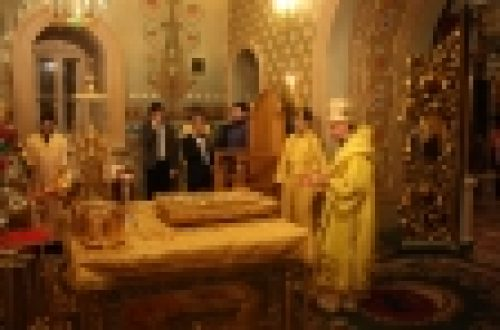 В праздник Рождества Христова епископ Бронницкий Игнатий совершил Божественную Литургию в храме Рождества Иоанна Предтечи на Пресне