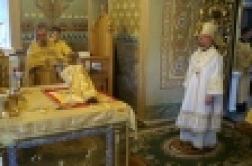 Владыка Бронницкий Игнатий совершил Божественную литургию в нашем храме