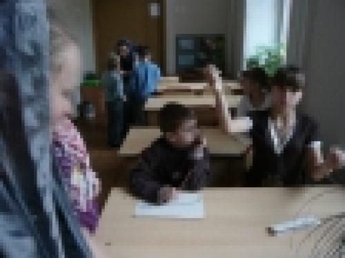 По благословению епископа Бронницкого Игнатия в этом учебном году возобновились занятия с детьми Социально-реабилитационного центра «Красносельский»