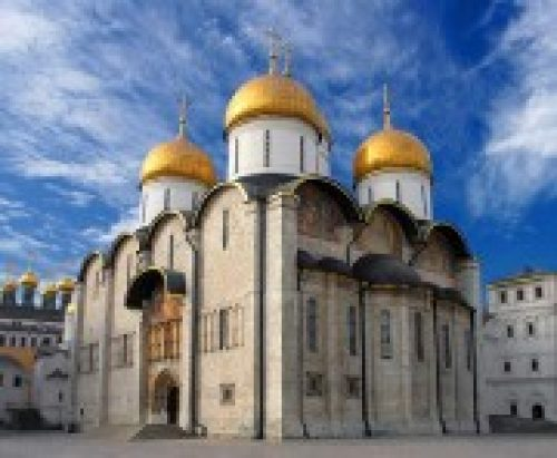 Предстоятель Русской Церкви совершил Божественную литургию в Успенском соборе Московского Кремля
