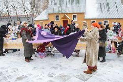 В храме Феодора Тирона в Хорошеве прошла Рождественская благотворительная ярмарка