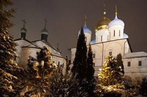 Епископ Воскресенский Савва совершил ночную Литургию в Новоспасской обители