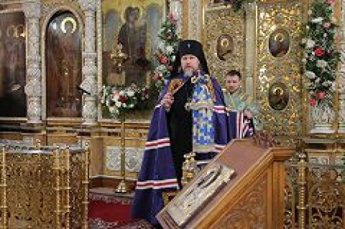 Архиепископ Егорьевский Марк совершил Божественную литургию в храме всех святых во Всехсвятском на Соколе
