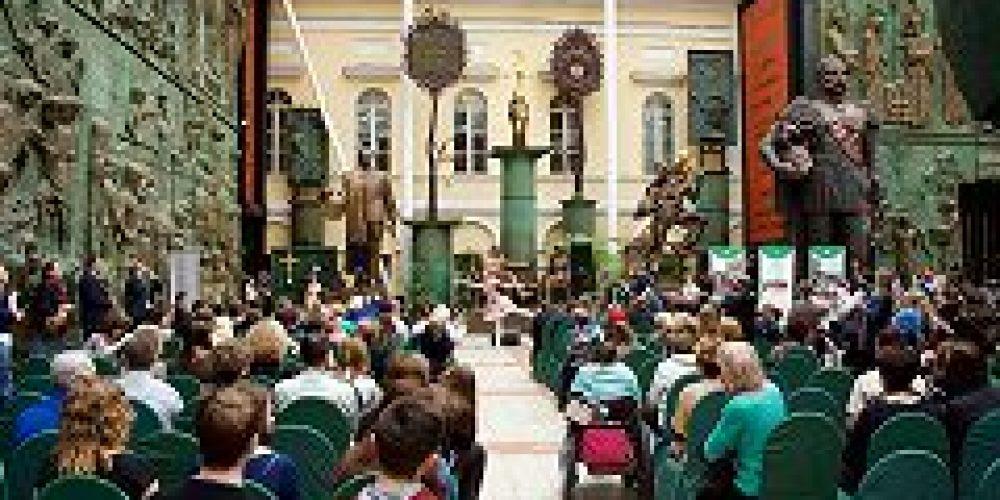 Православные волонтеры помогли в проведении фестиваля творчества «Я — автор» для молодежи с ограниченными возможностями