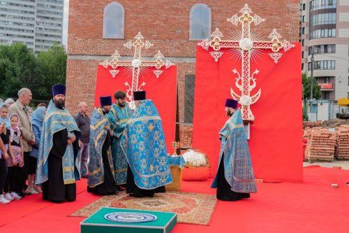 Освящение крестов и куполов храма Смоленской иконы Божией Матери в Фили-Давыдкове (видео)