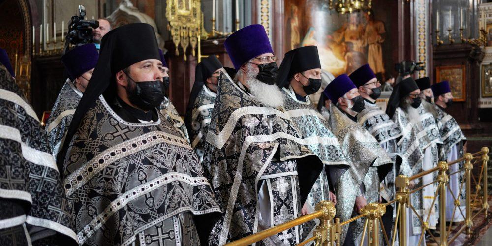 Клирики Западного викариатства удостоены Патриарших наград