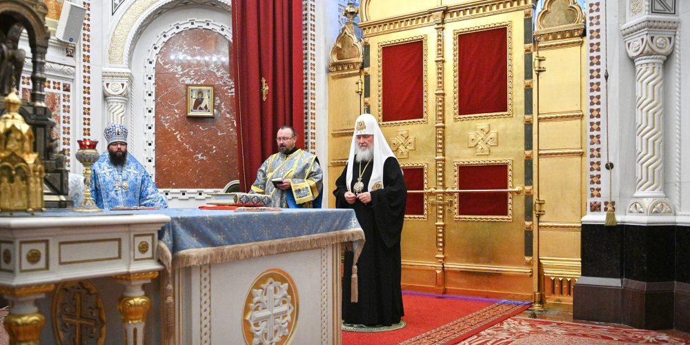 Епископ Фома сослужил Святейшему Патриарху Кириллу на всенощном бдении в канун Рождества Пресвятой Богородицы