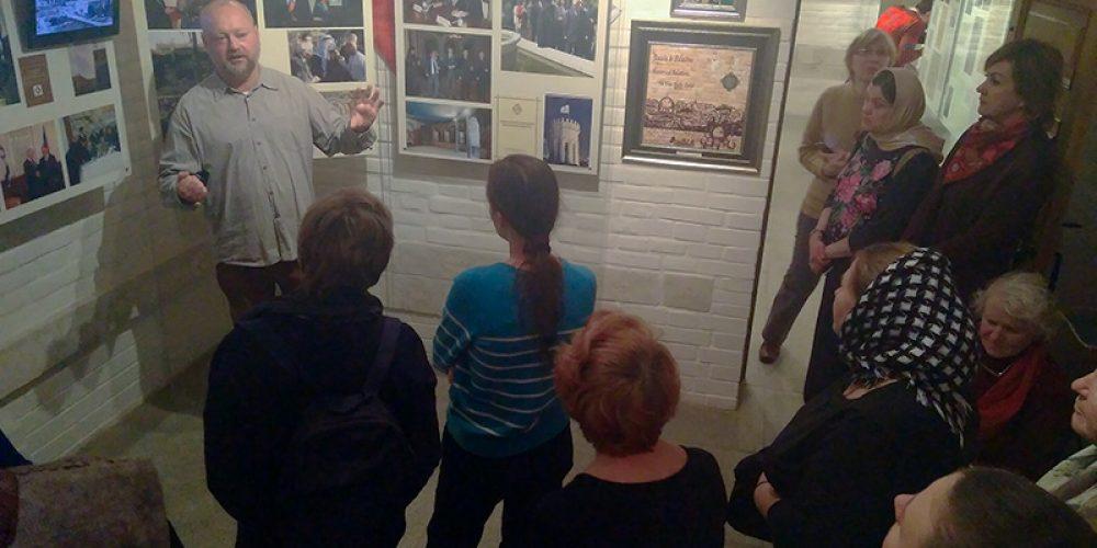 Слушатели приходского лектория храма праведного Иоанна Русского в Кунцеве посетили Музей истории Палестинского общества