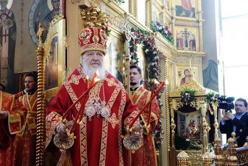 В день памяти великомученика Георгия Победоносца Святейший Патриарх Кирилл совершил Литургию в Георгиевском храме на Поклонной горе