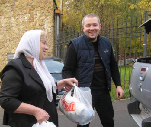 Благотворительная помощь от храма Смоленской иконы божией матери Фили-Давыдково