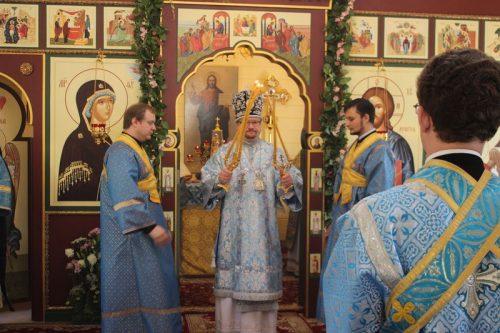 Престольный праздник во временном храме Боголюбской иконы Божией Матери