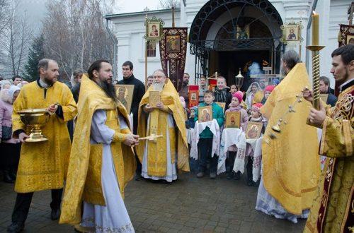 Праздничный крестный ход