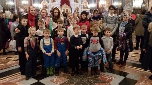 Воспитанники Воскресной школы храма Знамения в Кунцеве приняли участие в детской литургии в Храме Христа Спасителя