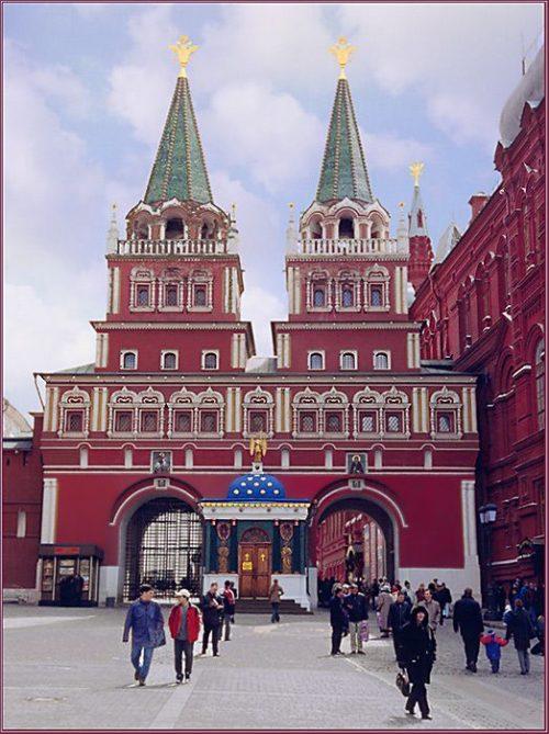 Служение духовенства Михайловского и Георгиевского благочиний Западного викариатства города Москвы в Иверской часовне на Красной площади