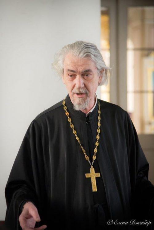 Руководитель Информационной комиссии г. Москвы протоиерей Владимир Вигилянский провел цикл семинаров для настоятелей строящихся храмов