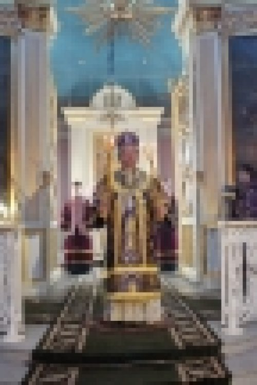 В Великий Четверток епископ Выборгский и Приозерский Игнатий совершил Литургию в кафедральном Спасо-Преображенском соборе г.Выборга