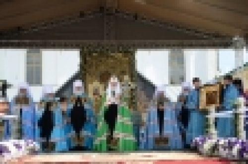 В праздник Тихвинской иконы Божией Матери епископ Выборгский и Приозерский Игнатий сослужил Святейшему Патриарху Кириллу