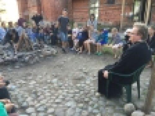 Епископ Выборгский и Приозерский Игнатий посетил молодежный лагерь на острове Коневец