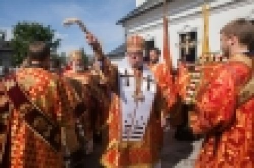 Епископ Выборгский и Приозерский Игнатий совершил Божественную литургию в Ильинском храме города Выборга