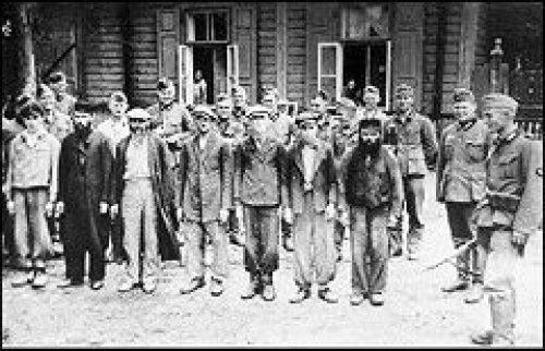Председатель Отдела Московского Патриархата по взаимоотношениям Церкви и общества совершил литию по жертвам геноцида цыган