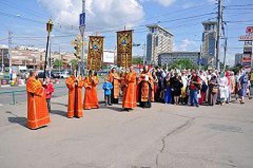 Совершен молебен на месте строительства нового храма в Ясеневе