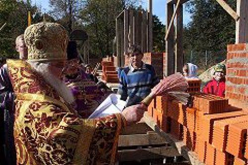 Состоялась закладка каменного храма святителя Киприана Московского в Чертанове