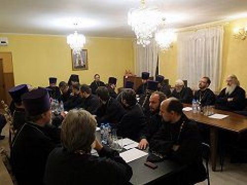 В Троицком благочинии состоялся пастырский семинар, посвященный распространению неоязычества в России