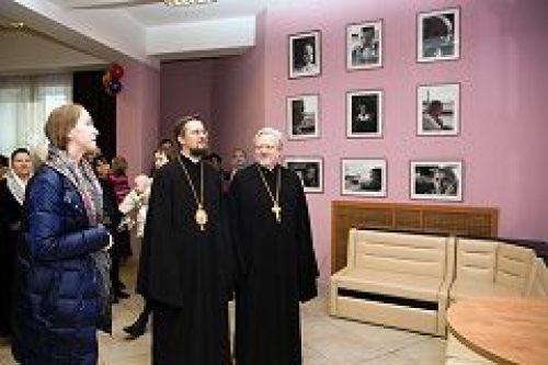 При храме святителя Иннокентия в Бескудникове открылась фотовыставка «Невидимые дети»